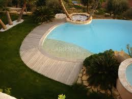 plage de piscine plage de piscine immergée en galets naturels de rivière carrelage