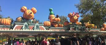 it u0027s halloween time at the disneyland resort momangeles