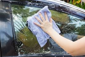 clean car windows with cornstarch and vinegar without leaving