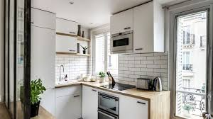 petit cuisine cuisine en longueur ouverte sur salon idée de modèle de cuisine