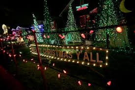 christmas tree lane holiday lights brighten up thompson avenue in