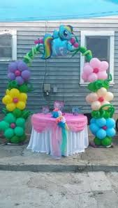 My Little Pony Party Centerpieces by Pinkie Pie Cake Pops Instead More Finger Foodie Than Cupcakes