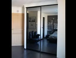 porte de chambre rona porte persienne rona avec porte de placard coulissante sur mesure