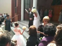 wedding rice and antonella wedding rice throwing