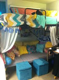 20 dorm rooms so stylish you u0027ll wish they were yours preppy dorm