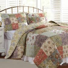 Quilted Bed Valance Amazon Com Greenland Home Blooming Prairie Full Queen Quilt Set