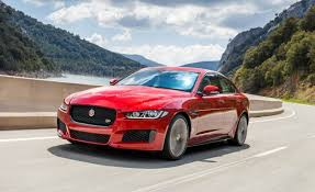 New Jaguar F Pace 25t 2 0 Litre Turbo Petrol Review Pics Jaguar Adds New Four Cylinder 30t Model For Xe Xf F Pace News