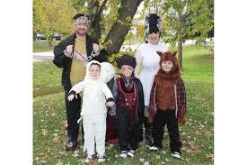 Family Dog Halloween Costumes Family Halloween Costumes Wsj