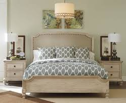 White Distressed Bedroom Furniture Distressed Bedroom Furniture Digs Bed Photo Antique White For