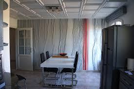 papier peint cuisine chantemur papier peint design rayures et petit accent papier peint cuisine