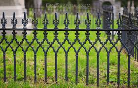 the iron fence and the family plot the big séance