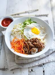 cuisine cor馥nne recettes bibimbap bol coréen de riz de légumes d oeuf et de boeuf ricardo