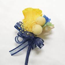 blue boutonniere boutonnieres b25 yellow royal blue endura flora