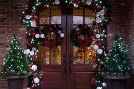 lighted christmas tree garland front doors garland ideas for front door spring garland for front