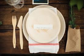 bamboo plates wedding homespun bohemian canadian wedding katarina palm leaf