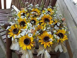 sunflower wedding table settings mymarriageplanner 12 sunflower