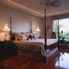 chambre à coucher feng shui feng shui chambre 21 idées d aménagement réussi colonnes en bois
