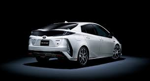 si e auto sport recaro dear god toyota is building a souped up prius
