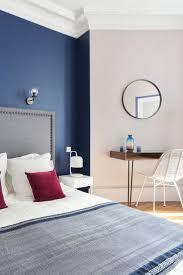 la chambre blue mettre de la couleur dans une chambre d adulte côté maison