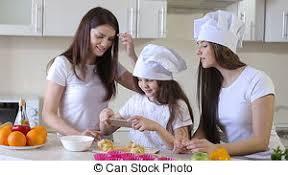 cuisine en famille cuisine famille dîner cuisine maison heureux concept