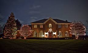 putting up christmas lights business 5 customers to target when starting your holiday lighting