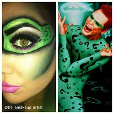 the riddler on the right except use purple facepaint around the