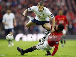 bentley college football photos et images de manchester united v tottenham hotspur