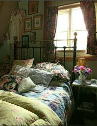 Old Fashioned Bedroom by English Country Bedroom Boncville Com