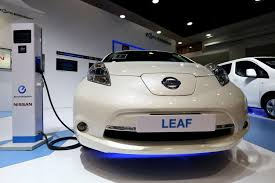 nissan leaf electric car range electric cars can go only half as far in freezing weather aaa