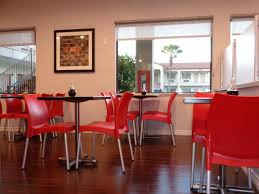 Dining Room Attendant by Days Inn Galleria Houston Tx Booking Com