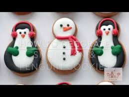 Decorating With Royal Icing How To Decorate Snowman And Penguin Cookies With Royal Icing Youtube