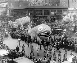 awkward family photos thanksgiving letter 10 historic moments from macy u0027s thanksgiving day parade new york