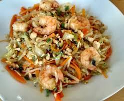 cuisiner chou pointu wok de chou pointu aux crevettes et à la citronnelle façon bo bun