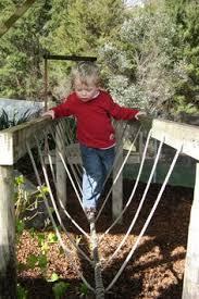 Backyard Zip Line Diy 17 Proyectos Para Hacer Un Rincón De Lectura En El Jardín Tree