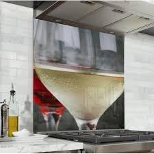 cuisine vins acheter fond de hotte crédence de cuisine vin blanc verre