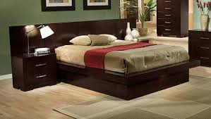 California King Wood Headboard Bedroom Exquisite Cream Furry Rug And White Shade Table Lamp Also