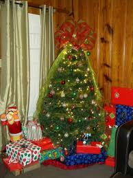 interior design how to make a deco mesh christmas tree topper how