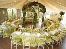 simple wedding reception ideas the table set up with the burlap table runner description