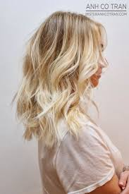 8 medium hairstyles to rock right now medium length haircuts best 25 medium blonde hair ideas on pinterest medium blonde
