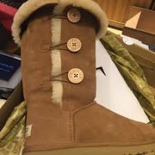 ugg boots sale los angeles ca ugg 22 photos 30 reviews shoe stores 189 the grove dr