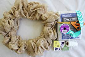 diy wreath made with burlap how to