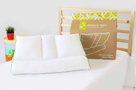 How To Place Throw Pillows On A Bed Sleep Yoga Better Posture Better Sleep Pillow