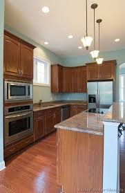 Kitchen Design Cherry Cabinets by 90 Best Cherry Color Kitchens Images On Pinterest Cherry Kitchen
