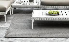 teppich für wohnzimmer wissen mit couchtisch und teppich das wohnzimmer nach draußen