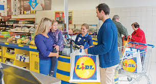 si e social lidl epr retail lidl uk will adopt the living wage from 1st