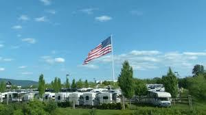 Va Flag Giant Us Flag Camping World I 81 Exit 146 Hollins Va 15secs Youtube