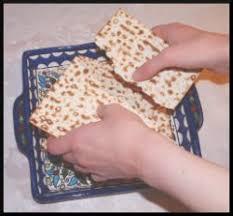 seder matzah the symbolism of the passover matzah points to messiah