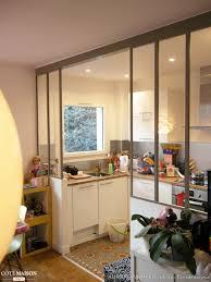 maison et cuisine cuisine avec verrière et carreaux de ciment aurore pannier côté