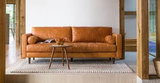 Camel Leather Sofa by 8 Camel Leather Pieces That U0027ll Make A Lasting Return On Your