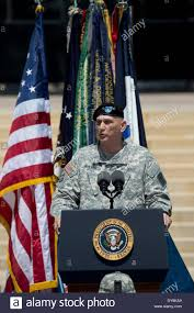 Army Service Flag U S Army Chief Of Staff General Raymond T Odierno At Memorial